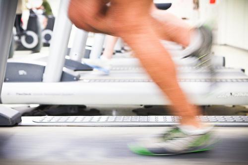 Faire un peu de sport pour évacuer le stress avant de prendre la parole en public